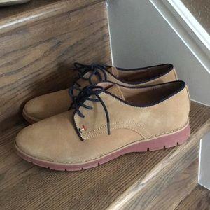 EUC Tommy Hilfiger shoes